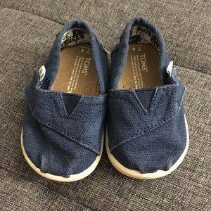 Toms blue baby shoes size 4